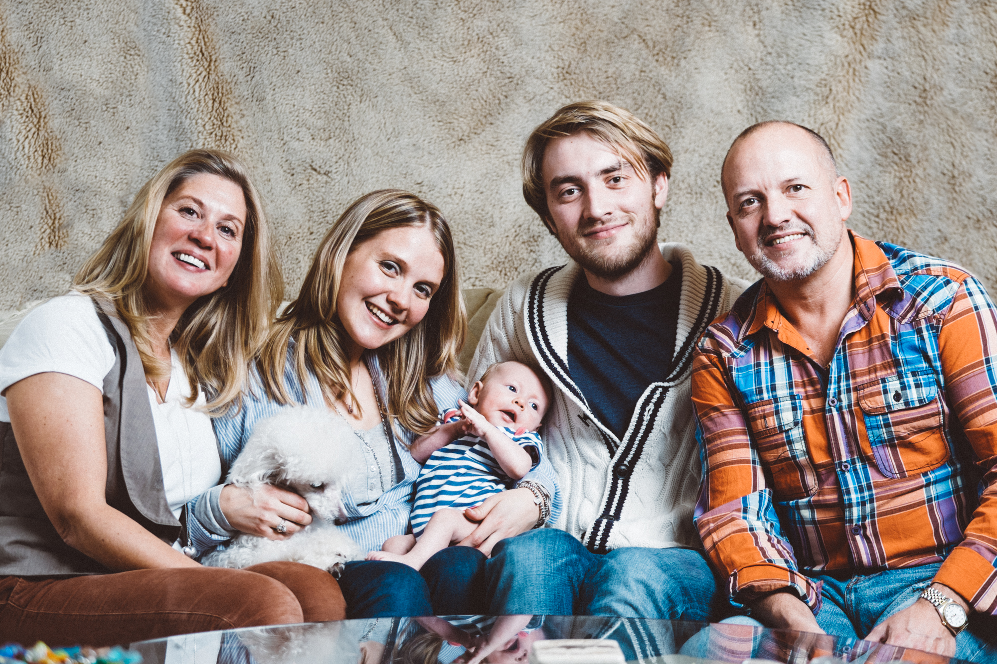 artistic lifestyle portraits, family portraits, newborn photography, artistic family portraits